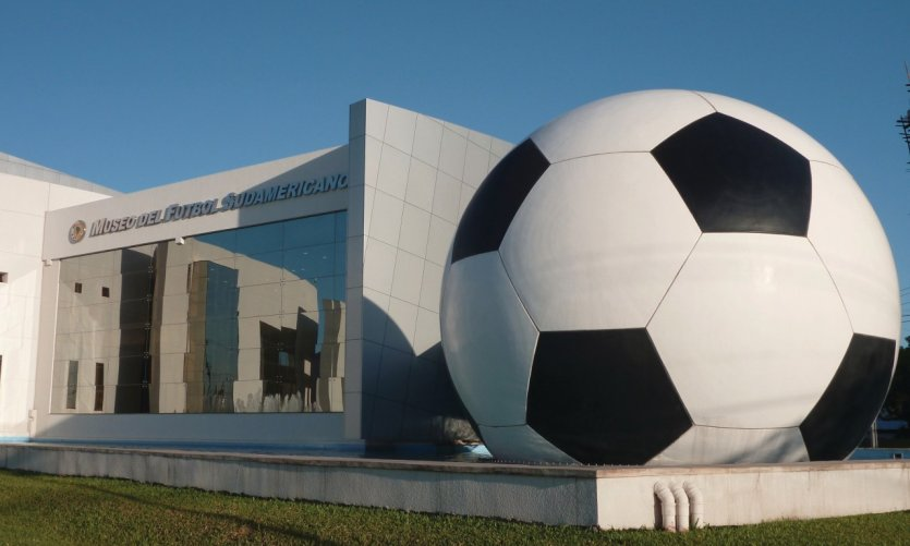 Le Musée du football sud-américain à Luque.