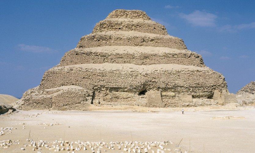 <p>Complexe funéraire de Djoser.</p>