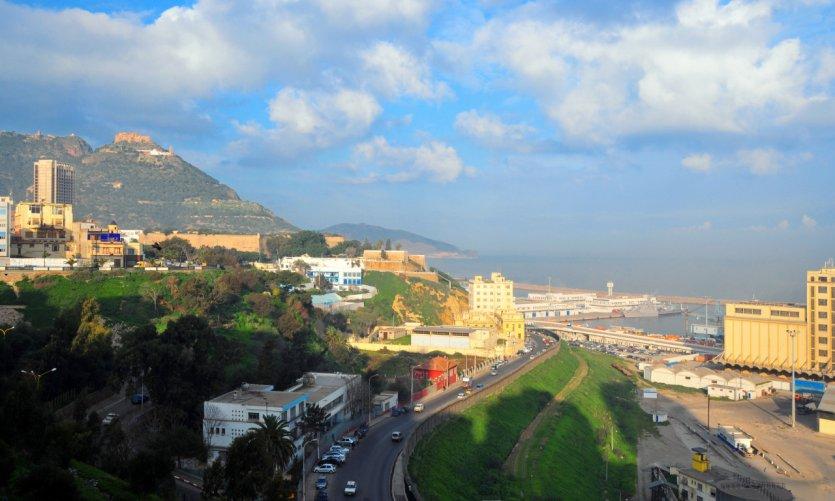 Port et route côtière d'Oran.