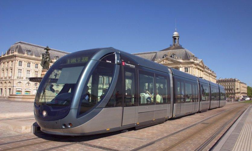 Tramway place de la Bourse à Bordeaux