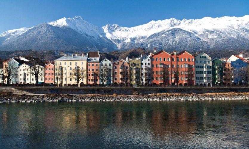 Vue sur les batiments colorés de Innsbruck.