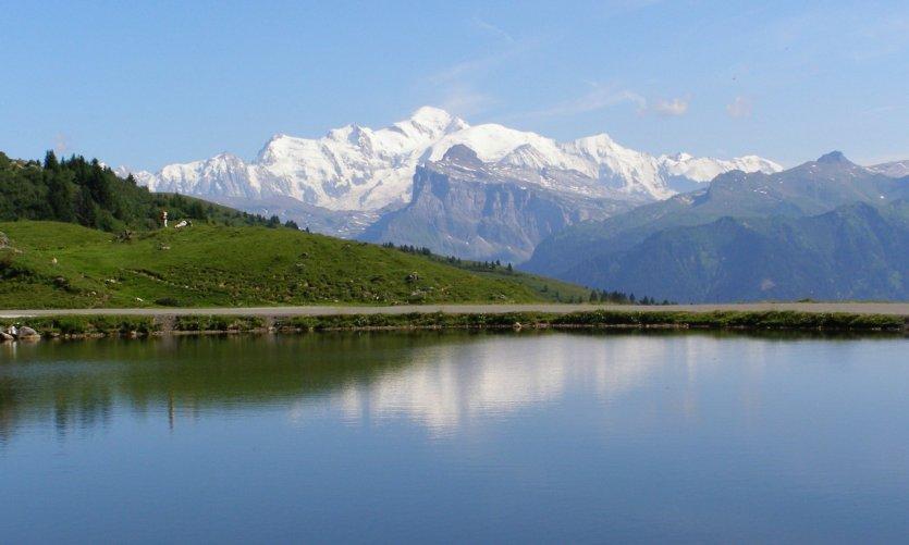 mont blanc et lac de joux plane