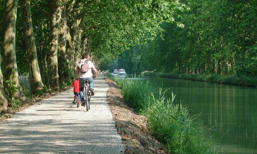 La voie verte au bord du canal.