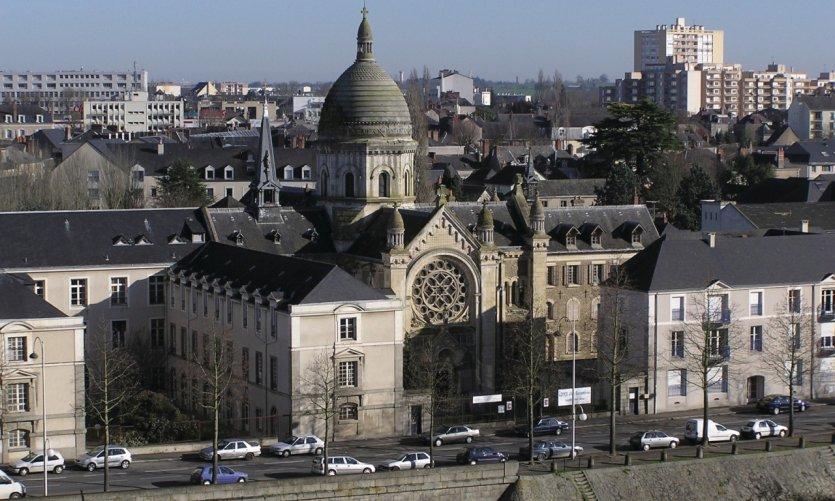 La chapelle Saint-Julien à Laval