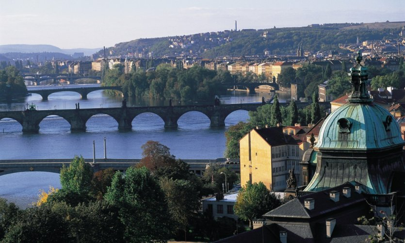 Ponts enjambant la Vltava.