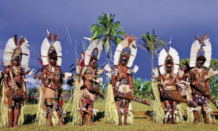 Danseurs de l'ethnie Kaluli à Bosavi, Southern Highlands Province.