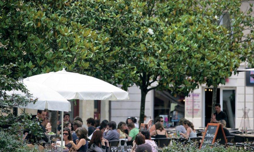 Manger en terrasse: le luxe du citadin!