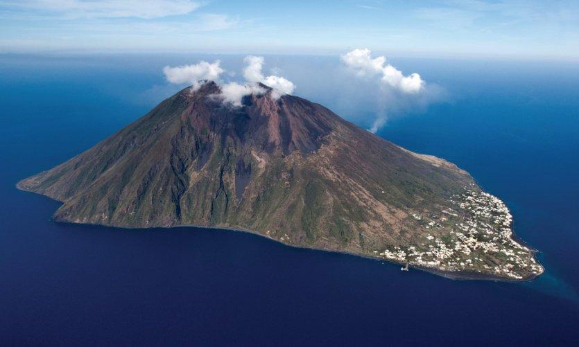 Le volcan Stromboli.