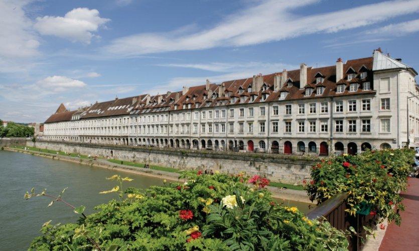 Les rives du Doubs et le quai Vauban
