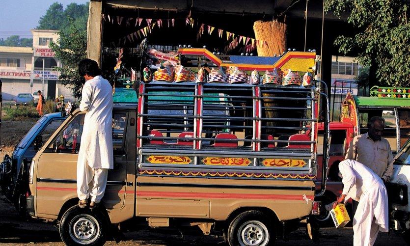 Minibus dans le centre-ville.