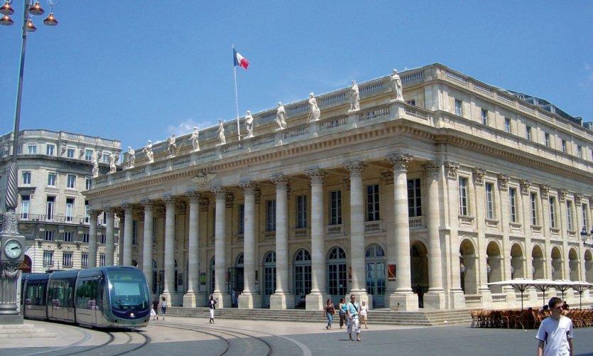 Tramway devant le Grand Théâtre - Bordeaux