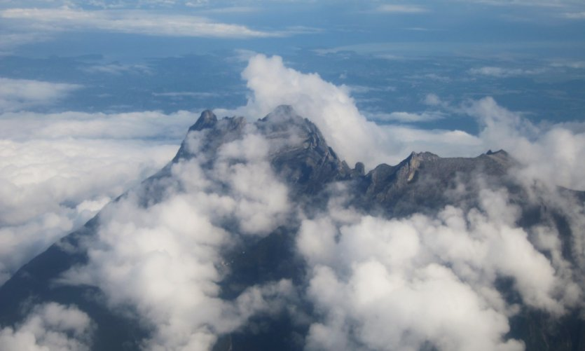 Vue aérienne du mont Kinabalu