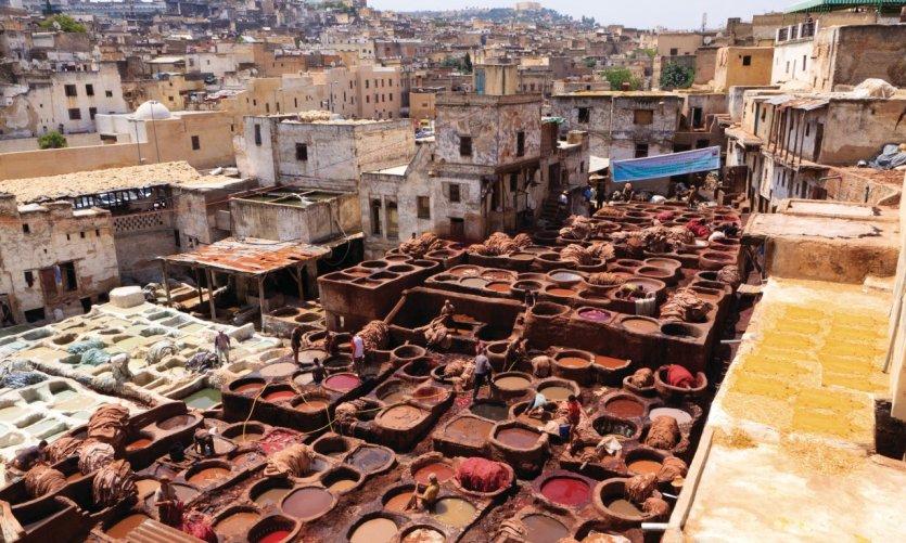 Les bassins de teinture du quartier des tanneurs.