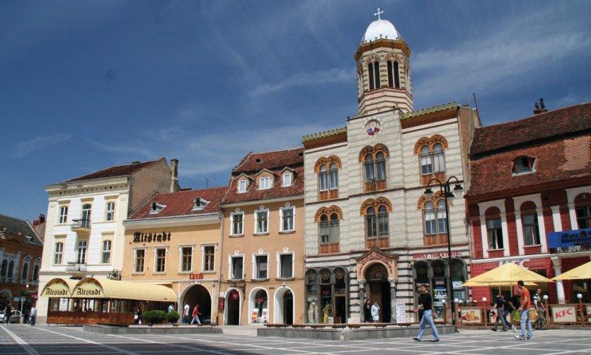 La cathédrale orthodoxe de Braşov, située sur la Piata Sfatului.
