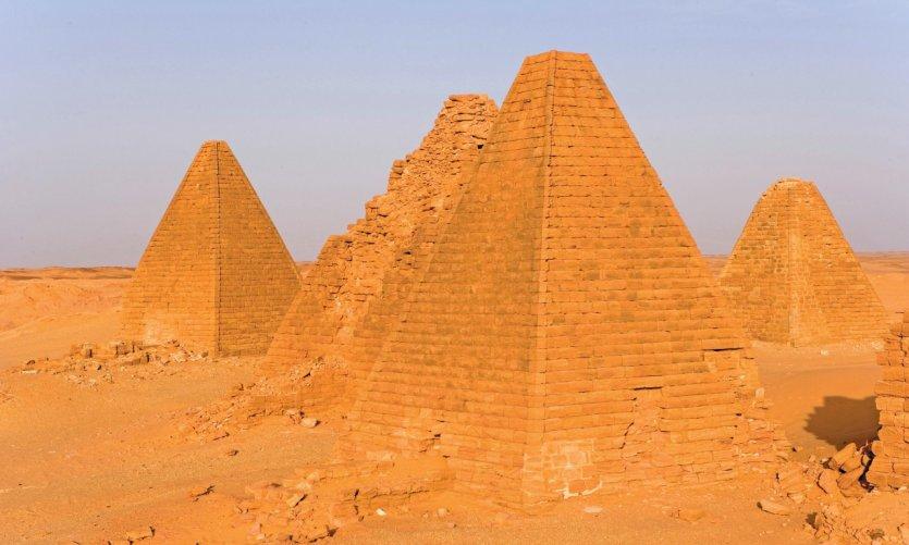 Pyramides de la nécropole royale sur le site de Djebel Barkal.