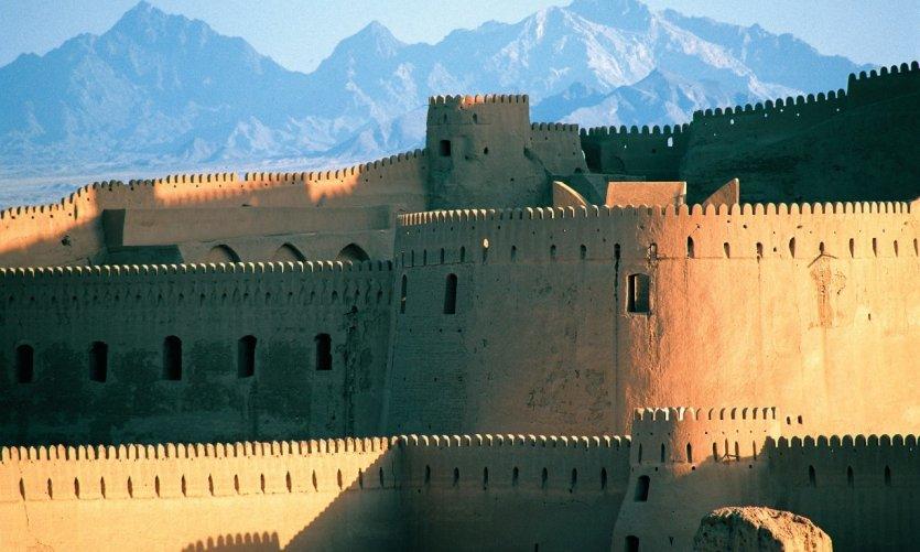 <p>Citadelle Arg-e Bam avant le tremblement de terre qui l'a détruite.</p>