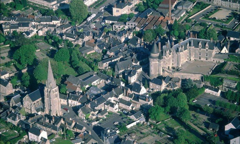 Vue aérienne de Langeais