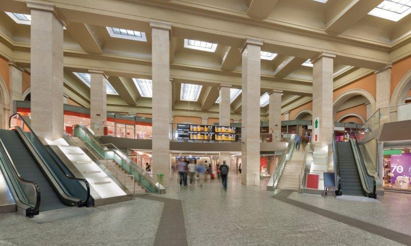 Gare de Porta Nuova.