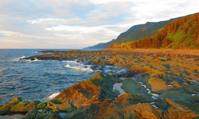 Le littoral à Sainte-Anne-des-Monts.