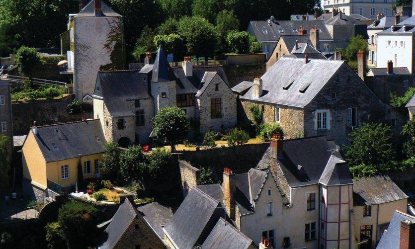 Le centre historique de Laval vu du donjon