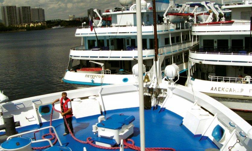 Gare fluviale, vue depuis le bateau.