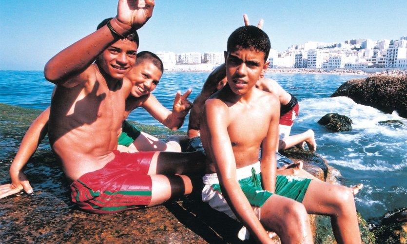 <p>Jeunes d'Alger.</p>
