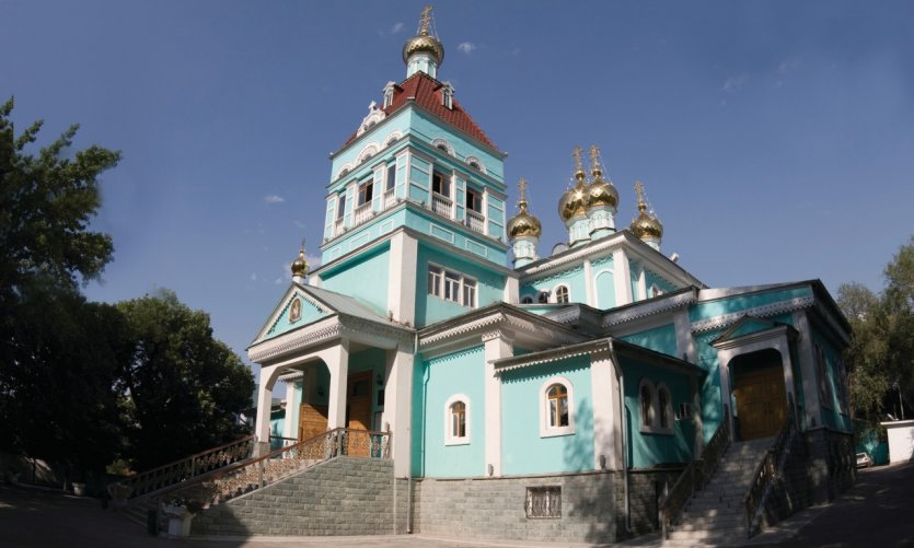 <p>St. Nicholas Cathedral.</p>