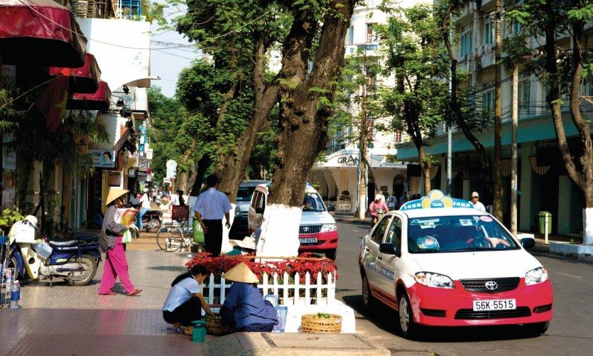 Rue Duong Dong Khoi.