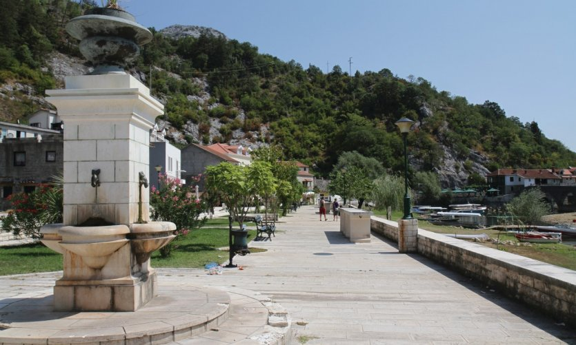 Rues de Rijeka Crnojevika