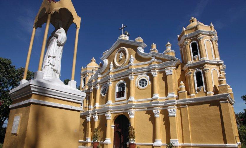 Iglesia de San Vicente en Vigán.