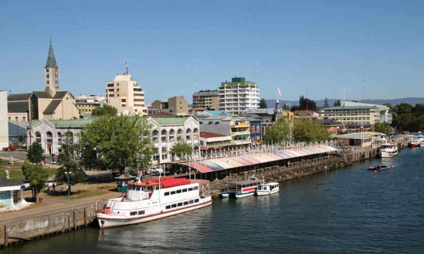 <p>The town of Valdivia.</p>