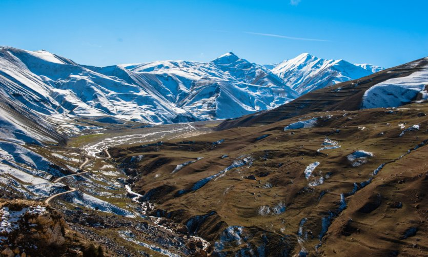Montagnes vers Khinalig.