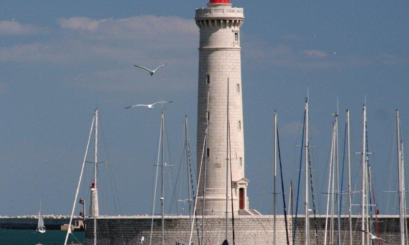 Le phare de Sète et la jetée