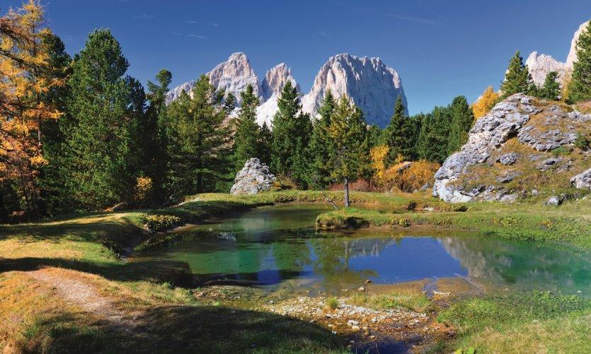 Sassolungo situé dans les Alpes Dolomites.