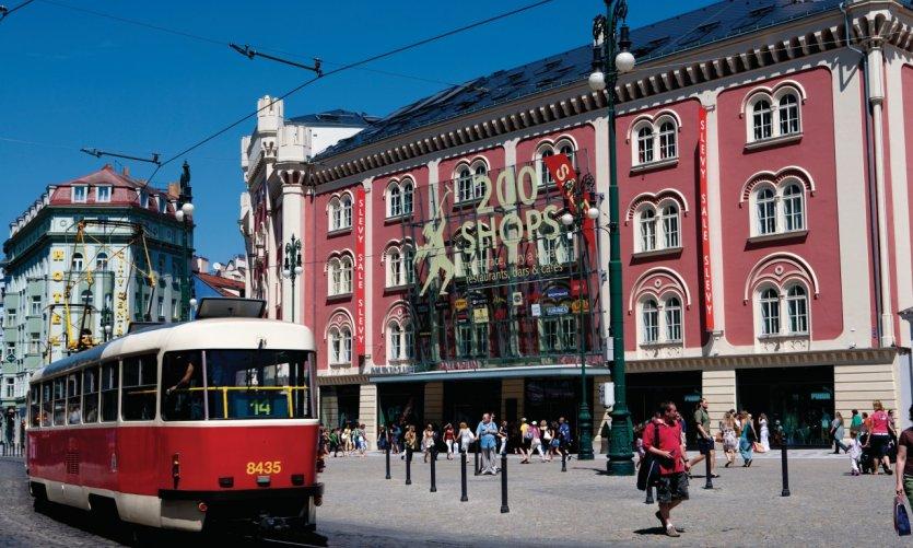Tram à Náměstí Republiky.