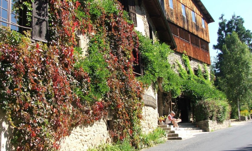 Moulin Richard de Bas.