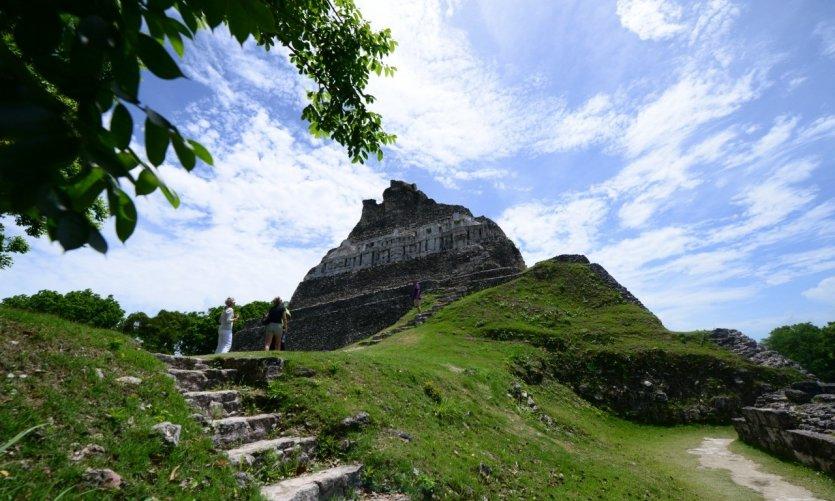 <p>Yacimiento arqueológico de Xunantunich.</p>