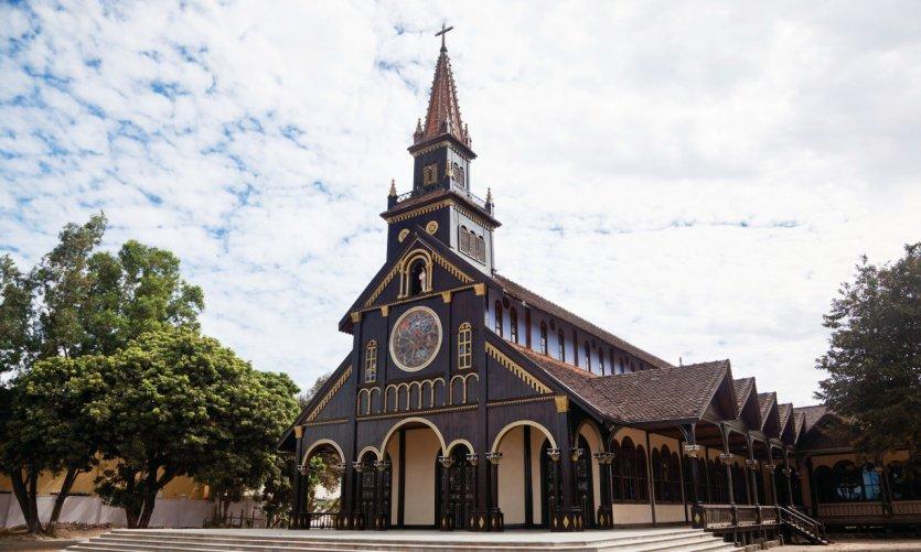 <p>Catedral de Kontum.</p>