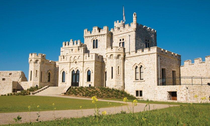 Le château, centre d'échanges culturels franco-britannique