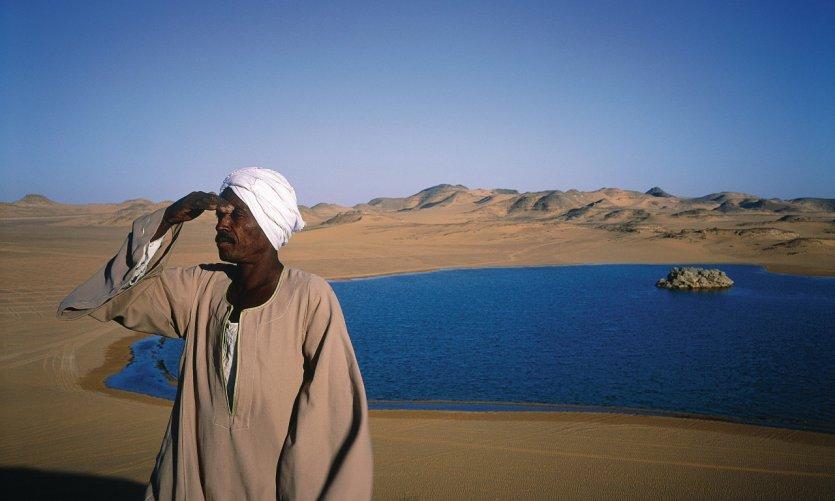<p>A orillas del lago Nasser.</p>