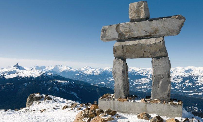 <p>Inukshuk en la cima de Whistler Mountain</p>