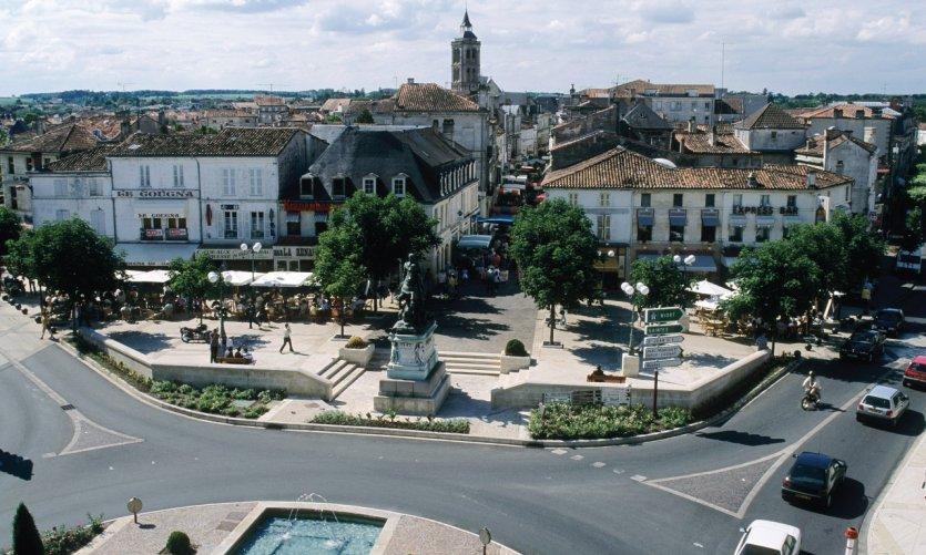 Place François-Ier - Cognac
