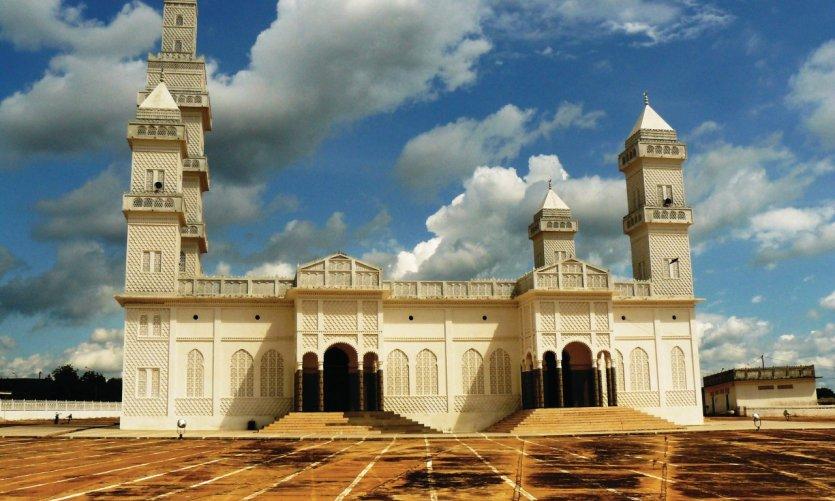 La grande mosquée de Yamoussoukro.