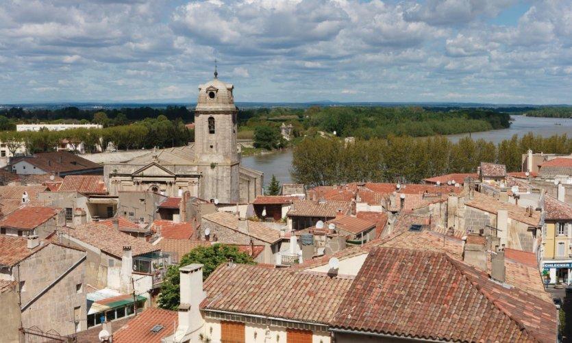 Vue des Arènes sur la ville d'Arles