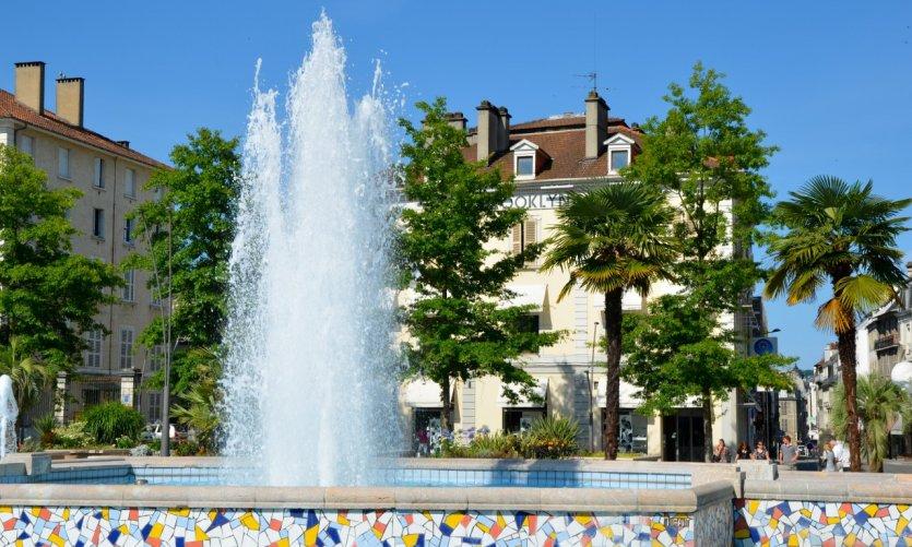 Jeu d'eau Place Clémenceau à Pau.