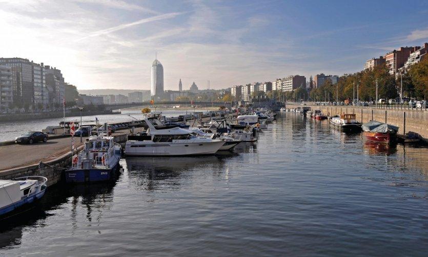 Le port des yachts.