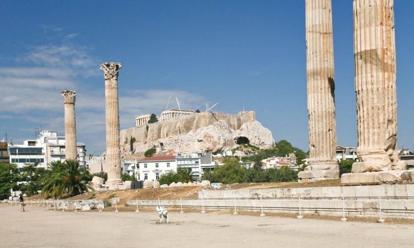 L'Olympiéion permet de découvrir le temple de Zeus olympien.