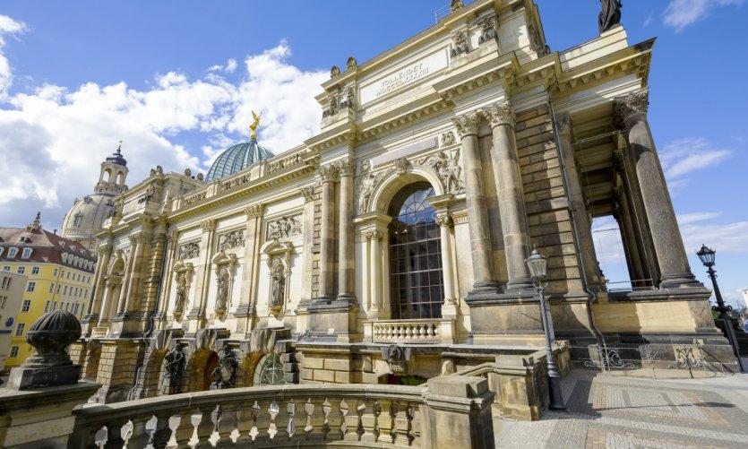 L'académie des beaux-arts.