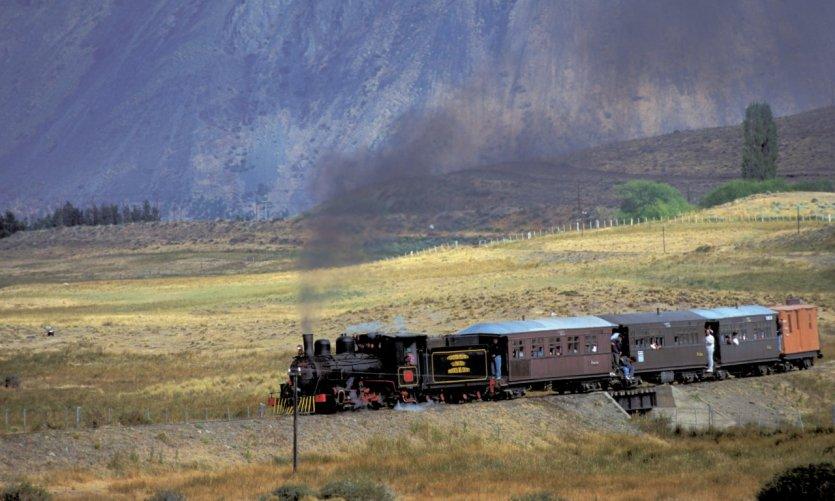 Petit train de Patagonie dans la vallée des Gallois.