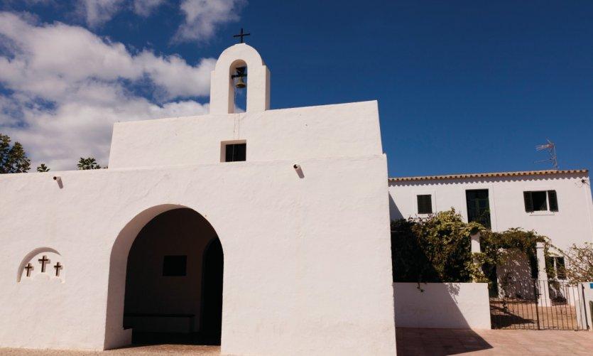 <p>Church of El Pilar de la Mola.</p>